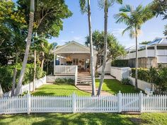 The Design Files - The Byron Bay Home Of Mister Zimi's Co-Founders Is Up For Sale! Photo – courtesy of Pacifico Property. Backyard Studio, Beach Shack, Surf Shack, Deck Lighting, Level Homes, The Design Files, Private Garden, Byron Bay, Maine House