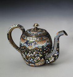 Teapot    Russia, Early 20th Century    The Hermitage Museum