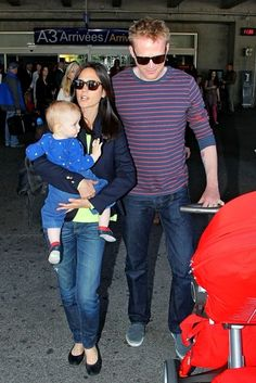 Mom style.    Jennifer Connelly Photo - Jennifer Connelly and Family Arrive at Cannes