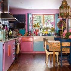 Eclectic pink kitchen with blue accents Kitchen units that define a style Ki .Eclectic pink kitchen with blue accents Kitchen units that define a style Ki . accents blue define a This floor with a Quirky Kitchen, Bohemian Kitchen, Eclectic Kitchen, Hippie Kitchen, Bohemian Decor, Bohemian Style, Bohemian Room, Kitchen Maid, Bohemian Apartment