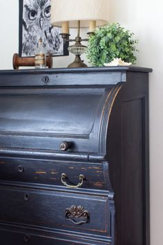 Vintage French Soul ~ A Black Chippy Roll Top Desk I Finding Silver Pennies Furniture Update, Diy Furniture Projects, Find Furniture, Furniture Makeover, Home Furniture, Refinished Furniture, Furniture Refinishing, Painting Furniture, Quality Furniture