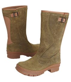 Built+for+the+cowgirl+in+the+big+city,+the+Western+Wellie+is+a+just-right+blend+of+rugged+vintage+appeal+and+fashionable+facility.+Weathered+waterproof+suede+upper+pairs+with+a+cushy+memory+foam+footbed+and+bouncy+rubber+outsole,+keeping+you+warm+hoofin'+it+all+the+way+to+the+watering+hole.+Light+buckle+adjustment+at+top;+hits+at+mid-calf.+Catalog/web+only.+5-11