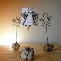 DIY wire: 31 Fantastic simple and cheap Christmas decorations Wire Crafts, Holiday Crafts, Diy And Crafts, Crafts For Kids, Arts And Crafts, Cheap Christmas, Christmas Angels, Diy Angels, Angel Crafts