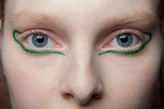 Ter et Bantine at Paris Fashion Week Fall 2014 Ter et Bantine Fall 2014 - A A Make-up - Makeup Makeup Inspo, Makeup Art, Makeup Inspiration, Makeup Tips, Beauty Makeup, Eye Makeup, Hair Makeup, Hair Beauty, Green Makeup