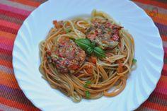 Pasja Smaku: Spaghetti z pomidorami i kotlecikami warzywnymi