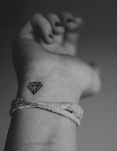 145 Meilleures Images Du Tableau Tatoo Tattoo Art Tiny Tattoo Et