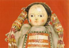 cree indian doll (dressed on trade gift of european wood doll) Wooden Pegs, Wooden Dolls, Antique Toys, Vintage Antiques, Cree Indians, Native American Dolls, Indian Dolls, Old Dolls, Vintage Dolls