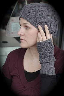 close knit: Free Pattern: Leah Gloves