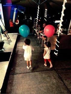 Matu y Caro de paseo por Ocean Drive.