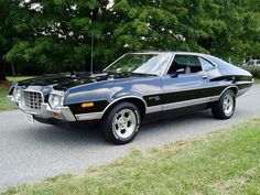1972 Ford Torino Coupe. It's not a mustang but my MOM HAD THIS CAR! #americanmusclecarsford #Fordclassiccars
