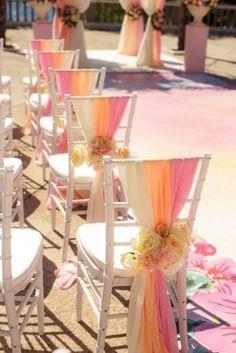 Декор стульев для гостей