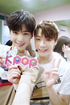 [29.07.16] Astro on twitter - EunWoo e MoonBin