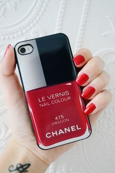 chanel le vernis iphone cover