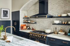 Is your space in need of a serious makeover? This summer, ditch the neutrals and introduce splashes of color thanks to these tips and tricks from five Philadelphia interior design experts. Kitchen Cabinetry, Kitchen Tiles, Kitchen And Bath, Navy Kitchen, Open Plan Kitchen Living Room, Ikea, Best Kitchen Designs, Design Kitchen, Transitional Kitchen