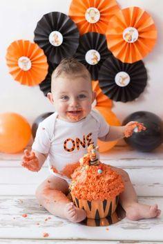 First birthday, cakesmash, cake smash, winnie the Pooh, tigger, teigetje, orange, tiger