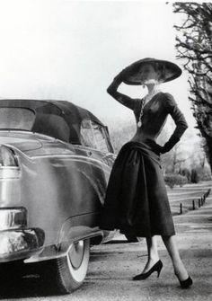 1955 dress      Designer : Jacques Fath