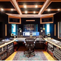 Photo from Hannes Bieger of Altar Audio Studios, located in .- Photo from Hannes Bieger of Altar Audio Studios, located in Colombia 🇨🇴 Photo from Hannes Bieger of Altar Audio Studios, located in Colombia 🇨🇴 - Music Studio Decor, Home Studio Setup, Music Recording Studio, Audio Studio, Studio Desk, Recording Studio Design, Sound Studio, Studio Interior, Luxury Houses