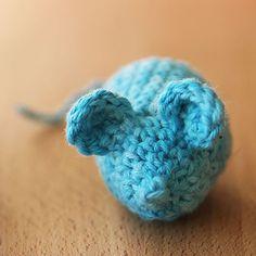 The 25 Purr-fect Crochet Cat Toy Patterns - Derpy Monster Crochet Craft Fair, Crochet Cat Toys, Crochet Animals, Crochet Crafts, Crochet Ideas, Crochet Projects, Crochet Patterns, Knit And Crochet Now, Crochet Ball