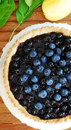 Blueberry lemon pie / tart - perfect for the Spring! #tarts #berry_desserts