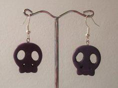 Pendientes-calaveras-de-howlita-violetas