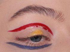 Bright eye make up, prime colours - Boore Makeup Inspo, Makeup Art, Hair Makeup, Cute Makeup, Makeup Looks, Professionelles Make Up, Eyeliner, High Fashion Makeup, Fashion Fashion