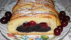 Kto má rád mak a višne, určite si príde na svoje. Dessert Recipes, Desserts, Hot Dog Buns, French Toast, Food And Drink, Cooking Recipes, Sweets, Bread, Breakfast