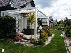 Taras - Średni taras z tyłu domu - zdjęcie od Ciochoń - Studio garden | inspiration | terrace | white | scandi
