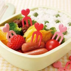 This heart food pick set comes in 4 different shades of pink and red. It includes total 12 fork food picks for bento box decoration pieces each color), Th. Bento Recipes, Healthy Recipes, Japanese Bento Box, Kids Lunch For School, Different Shades Of Pink, Food Picks, Finger Foods, Food Ideas, Lunch Box