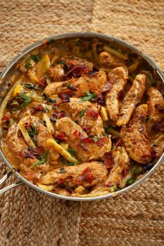 One-Pot Victory Garden Smash with Chicken and Cream Sauce - WickedStuffed Keto Recipe Blog One Pot Meals, Main Meals, Cooking Bacon, Cooking Recipes, Keto Chicken, Chicken Recipes, Low Carb Recipes, Whole Food Recipes, Squash Patties