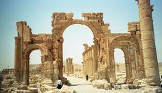 Syria Palmyra Arch Of Triumph Ancient Ruins, Secret Places, Ancient Architecture, Stone Work, Historical Sites, Tower Bridge, Wilderness, America, Urban