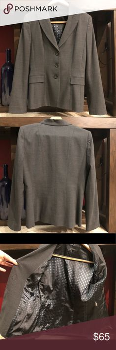 ELIE TAHARI WOMEN'S BLAZER Elie Tahari women's blazer size 10 in gray 💖 perfect for a day at the office or any formal occasion! Worn only twice, well taken care of & in excellent condition without any stains, signs of wear or loose threads 🙂 Elie Tahari Jackets & Coats Blazers