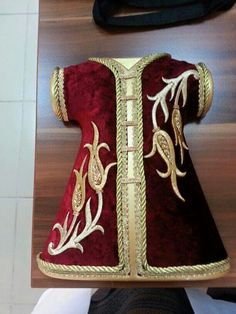 Embroidery for Beginners & Embroidery Stitches & Embroidery Patterns & Embroidery Funny & Machine Embroidery Embroidery Works, Gold Embroidery, Embroidery Stitches, Embroidery Patterns, Free Machine Embroidery Designs, Applique Designs, Jesus Clothes, Hand Painted Dress, Afghan Dresses