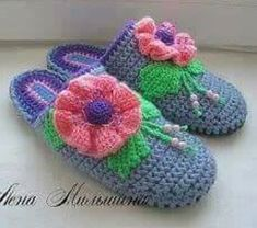 Tina's handicraft : 30 designs for crochet slippers Baby Slippers, Crochet Slippers, Cross Stitch Embroidery, Embroidery Patterns, Needle Felting Tutorials, Embroidery Bracelets, Ribbon Design, Irish Lace, Crochet For Kids