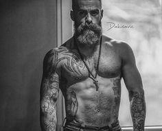 @dakisavic #ohmybeardedman #beards #beardslover