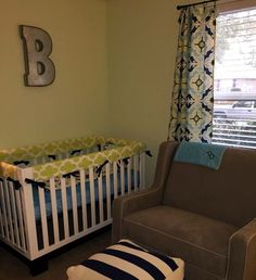 Bold colors and patterns in this modern nursery - custom bedding from @Studioslumber!
