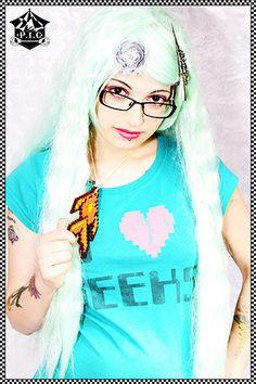 Uniquekerer Geekier - Goldfishdreams - Modelling  Alternative, Uniquekerer, Cute, Geeky, Geek Chic, Nerdy, Geisha Wigs, Pastel, Jewelry, Hama, Craft, Kawaii, Retro, Handmade, Pixel Art,   Goldfish http://www.goldfishdreams.net