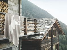 IKEA Österreich, CHALET, FANBY Schaffell, Inspiration, gemütlich, Winter, Landhausstil, Hütte, Hüttenzauber, Fell, Decke, limited Edition, Hirsch, Hirschmotiv
