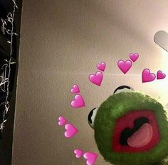 kermit the frog meme with hearts - Googl. - Kermit the Frog Memes Cute Disney Wallpaper, Cute Cartoon Wallpapers, Tumblr Wallpaper, Iphone Wallpaper, Stranger Things, Kermit The Frog Meme, Sapo Meme, Memes Funny Faces, Funny Humor