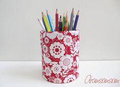 Dose für Stifte, Blumen ★ Vögelchen/Blumen Rot von Aramsamsam auf DaWanda.com