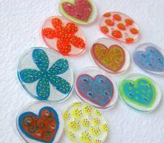 shrinky-dink buttons DIY