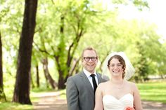Real Wedding: Molly + Andy in Minneapolis // Images by Becca Dilley Photography // Via Modernly Wed