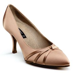 Lady's standard shoes - Dance Naturals Art. 29, porous lining allows the feet to breathe. Visit http://ballroomguide.com/comp/attire/shoes.html for more info about ballroom shoes
