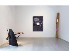 Jean Prouvé, Alex Da Corte et Adam McEwen - Exposition Pièces-Meublés, Galerie Patrick Seguin Paris