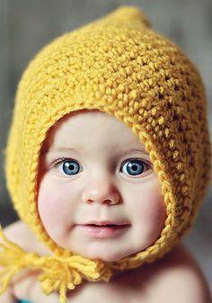 Little Maiden Bonnet - Free Pattern