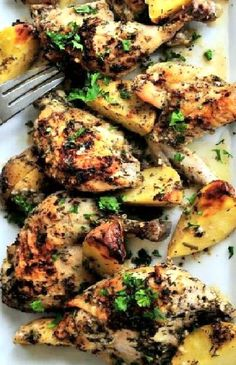 Low FODMAP Recipe and Gluten Free Recipe - Chicken with herbed potatoes -- (Update) - http://www.ibs-health.com/low_fodmap_chicken_with_herbed_potatoes.html