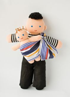 I LOVE this Babywearing Daddy Doll with a baby doll
