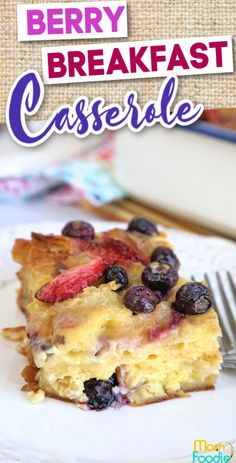 This croissant berries and cream casserole is perfect for a holiday brunch. Croissant Breakfast Casserole, Savory Breakfast, Breakfast Recipes, Easy Casserole Recipes, Breakfast Options, Led Weaning, Pillsbury, Casseroles, Yum Yum