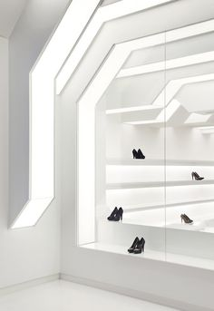 Queen Shoes by Guilherme Torres, Londrina   Brazil store design