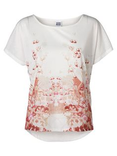 Floral printed tee from #VEROMODA  @Veronica MODA