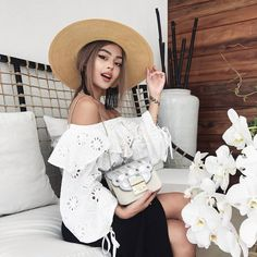is celebrating their Anniversary with handbags that represent fashion evolutions for each era. 😄This one represents the Lily Maymac, Evolution Of Fashion, Women's Fashion Leggings, Girly, Instagram Girls, Ulzzang Girl, Colorful Fashion, Portrait, Korean Fashion